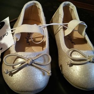 NWT Cat & Jack Size 4 Baby Gold Glitter Shoes